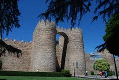 muralla e historia  ( filtro en leo ) (BONNIE RODRIGUEZ BETETA) Tags: vila murallas castillaylen museos historia santateresa