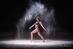 alice-11 (alan.velain) Tags: 20160525 abandonn alice cheveuxlong danceuse farine hangard jolie sexy danseuse poussire deuxpices canon 6d alanphotographiecom alanvelain
