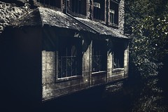 Window From The Past. (Grf f the Pp [@Grfbd]) Tags: mill river shadows lightshadows canoneos70d window