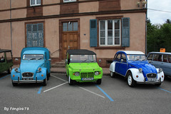 Citron 2CV Fourgonette, Mhari et 2CV Berline (fangio678) Tags: expo wasselonne 15 05 2016 voiture voituresanciennes ancienne collection cars classic coche oldtimer youngtimer citron french francaise 2cv fourgonette mhari berline