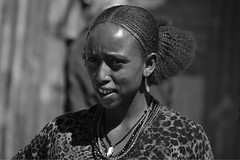 Young woman Ethiopia_5640NB (ichauvel) Tags: femme woman jeunefille jeune younggirl young portrait portraitderue streetportrait portraiture visage face expression sourire smile coiffure hairstyle ethiopiedunord ethiopie ethiopia northernethiopia bati afrique afriquedelest eastafrica africa hornofafrica voyage travel jour day outside outdoor pretty march market batimarket amhara