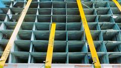 5400 lbs (timp37) Tags: 5400 lbs truck illinois cargo 2016 september straps metal
