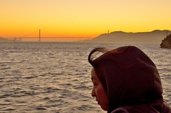Thoughtful mood (Daniel.Lgnes) Tags: goldengatebridge bridge puente pont sanfrancisco california atardecer sunset face woman mujer femme hair pacificocean océanopacífico west usa gettingdark thoughtfulmood mood thoughtful thought look eye ojo pensativa pensativo tbt