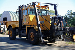 1979 Walter Snow Fighter (vetaturfumare - thanks for 2 MILLION views!!!) Tags: walter snow fighter snplog snowplow easthampton hamptons ny li longisland yellow angular 57 quonset