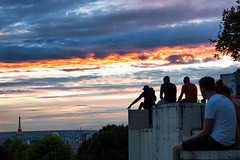 Paris Sunset (Simon Neutert) Tags: paris france belleville sunset projectweather september 09 gh4 lumix panasonic tourdeiffel eiffelturm