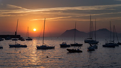 El puerto al amanecer (Carpetovetn) Tags: agua amanecer barcos costa cantbrico cielo castrourdiales cantabria velero yate sunrise d610 nikond610 mar marina marcantbrico puerto rompeolas spain tamron2875 europa espaa