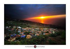 Y el sol ilumin todo ( www.mariorubio.com ) Tags: sauzal tenerife puestadesol