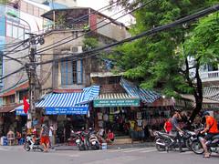 Ha Noi Old Quarter (Helen M Evans) Tags: vietnam hanoi oldquarter