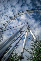 Cloudy Eye (aurlien.leroch) Tags: london londres londoneye england cloud cloudy cityscape nikon coolpix