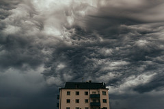 undergng (hnrk hlndr) Tags: clouds cloudporn cloud nature storm house apocalypse