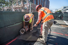 160914_1190_4thStSTS (Central Subway) Tags: 4thstreet centralsubway muni sf sfmta sts sanfrancisco sanfranciscomunicipalrailway sanfranciscomunicipaltransportationagency soma tthirdline townsendstreet asphalt construction extension lightrail pavement phase2 project sawcutting southofmarket surfacetrackwork utilitywork