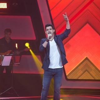 Alexey Martinez nasceu em #Cuba, mas encontrou seu lugar aqui no #Brasil. O cantor, que já foi finalista do reality Popstars, no Equador, em 2014, chegou no #TheVoiceBrasil pronto para arrasar. E foi isso que ele fez! Ao som de '#Pégate', do Ricky Martin,