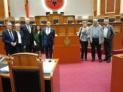 Besuch im Parlament von Albanien