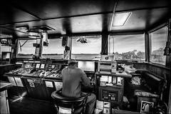 Dernires autorisations avant appareillage... (vedebe) Tags: bateaux fleuve riviere transportsmaritimes humain people noiretblanc netb nb bw monochrome port ports marins marine transportmaritime