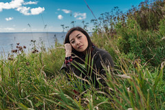 heart goes out (Studio.R) Tags: asian asianwoman a6300 sonya6300 sonyphoto streetphotography portrait photography travelphotography bluesky duluth hmong