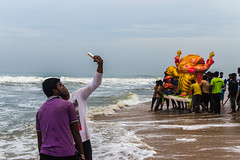 Selfie | Ganesh Visarjan series | Chennai Foreshore estate 2016 (vjisin) Tags: ganpathibappa ganpativisarjan festival prayers marina idol immersion tradition chennaiweekendclickers seashore cwc mychennai chennai india asia nikon nikonofficial indianstreetphotography documentary nikond3200 composition streetphotography street ngc cwc552 eye idol ganeshidol immersion selfie