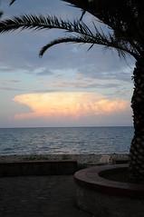 Tramonto... (martina.morelli52) Tags: tramonto sun clouds sky sea italy holiday peace mare sassi stones lungomare