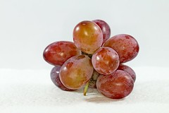 IMG_7948 (LezFoto) Tags: redgrapes grapes macro canon eos 700d ef100mm f28l seedless red fruit