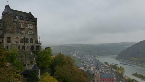 Blick auf Oberwesel und Rhein von der Schönburg aus