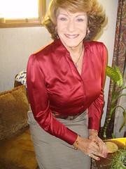 Vanity! (Laurette Victoria) Tags: portrait wisconsin auburn blouse milwaukee laurette laurettevictoria