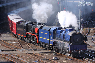 R711 & R707 departing Southern Cross Station with the Tastes of the Goulburn Festival Tour.
