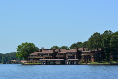 Hot Springs - Lakeside Condos (Drriss & Marrionn) Tags: hotsprings arkansas usa lakehamilton lakeside waterfront water boat belleofhotsprings tours rivertours cruise cruises outdoor condos