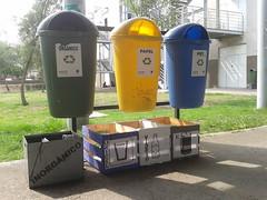UACM San Lorenzo Tezonco. (EnriquePazC) Tags: efecto luz contenedores