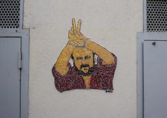 V (HBA_JIJO) Tags: streetart urban graffiti vitry vitrysurseine art france hbajijo wall mur collage mosaic paris94 menotte libre mosaque dona