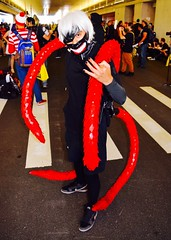 DSC_0044 (Randsom) Tags: nycc 2016 newyorkcomiccon nycomiccon javitscenter october nyc newyorkcity cosplay costume fun comicbooks comicconvention tokyoghoul manga white wig tentacles mask demon monster creature