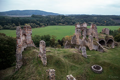 Zviretice from above (Crones) Tags: canon 6d canoneos6d canonef24105mmf4lisusm 24105mmf4lisusm 24105mm czech czechrepublic zviretice ruin castle architecture