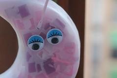 MEDIALUNA QUE PARECE DE MÁRMOL PARA COLGARLA – HECHA DE CERA (ilmiomondoincera) Tags: medialuna marmol colgar cera parafin violeta rosa blanco menta nina nino decoracion casa regalo bombonera artesanal