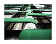 (ngel mateo) Tags: ngelmartnmateo ngelmateo cintas rodillos mquina acero verde