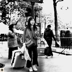 06t16 (photo & life) Tags: paris france europe ville city rue street streetphotography photography photolife jfl cityscape fujinonxf23mmf2rwr blackandwhite noiretblanc fujifilm fujinon fujifilmxpro2 woman asiangirl asianbeauty humanistphotography square squareformat squarephotography