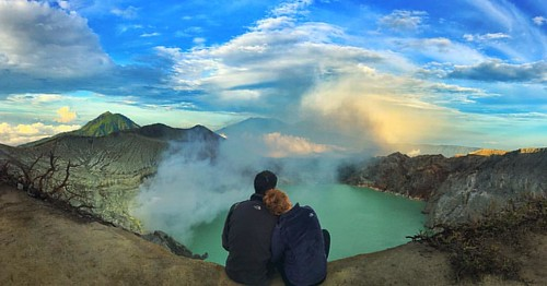 "You can say "" How deep is your love ❤️? "" #photooftheday #travel #ijen #sunrise #indonesia #mountain #volcano #crater #couple #journey #love #morning"