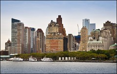 2010-09_DSC_1823_20160922 (Ral Filion) Tags: newyork usa ville cit urbain gratteciel conomie bateau boat city urban skyscraper building economy wallstreet batterypark
