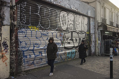 . (Le Cercle Rouge) Tags: montreuil france humans streetart streetphotography graffs graffitis tags painters theartofinvisibility lartdelinvisibilit the walker diaries