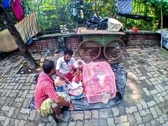 Father's Love | Dhaka Street 2016 (Farhan Alvee) Tags: dhaka dhakacity dhaka2016 streetphotographybangladesh streetphotography street farhansphotography