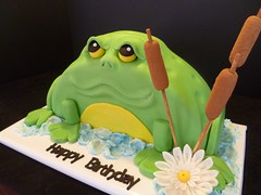 Frog Cake by Yvonne C. www.birthdaycakes4free.com Twin Cities, MN