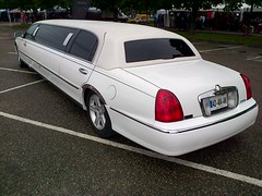 Lincoln Town Car Stretch Limousine 02