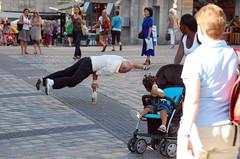 stabilità (Antonio_Trogu) Tags: street people man germany square deutschland nuremberg streetphotography acrobat nurnberg equilibrist balancer ditch1 ditch2 ditch3 ditch4 ditch5 antoniotrogu