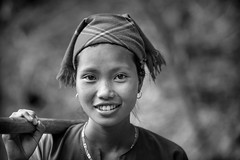 Vietnam: jeune femme; ethnie des Lolo Noir. (claude gourlay) Tags: vietnam asie asia claudegourlay portrait retrato ritratto travel minorit minority people nb bw blackandwhite noiretblanc baolac caobang indochine tonkin lolonoir
