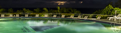 Piscina en la noche del trpico (fedelea1962) Tags: pool piscina agua tropico noche