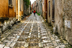 Cobbled street in the medieval town of Erice,Sicily,Italy (dorosario-photos) Tags: sicily sagesta europe places erice medieval town cobbledstreet italy anticaerice travel travelsicily mounterice