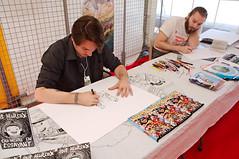 Yo One en ddicace  Cartoon Beach 2016 (zigazou76) Tags: bandedessin cartoonbeach dessin ddicace fcamp plage yoone