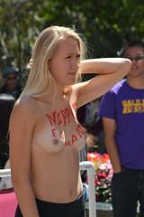 #freethenipple #nationalgotoplessday 2016 #nak#nude #streetphotography  #peoplewatching (nedsin anoqui) Tags: freethenipple nationalgotoplessday nak nude streetphotography peoplewatching