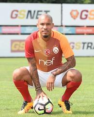 Nigel De Jong (l3o_) Tags: nigel de jong galatasaray football futbol sar krmz red yellow holland hollanda netherlands