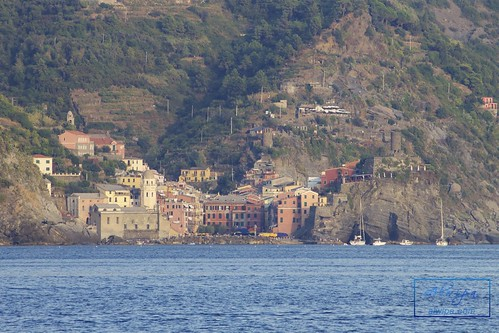 """Cinque terre - Monterosso al mare • <a style=""""font-size:0.8em;"""" href=""""http://www.flickr.com/photos/104879414@N07/29614580164/"""" target=""""_blank"""">View on Flickr</a>"""