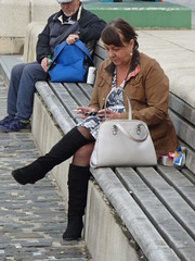 Liverpool people (~ l i t t l e F I R E ~) Tags: street candid men man womam women couple tourist phtotographer entertainer sitting liverpool liver merset beatles railway station liverpoolone