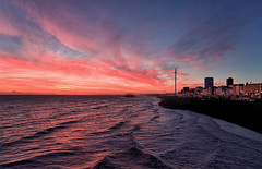 Red Sky at Night (Langstone Joe) Tags: phoenix sunset waves reflections brighton britishairwaysi360 observationtower westpier seafront seascape landscape