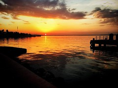 #sunset #sea #sun #sunlight #clouds #scenery #marina #günbatımı #güneş #bulut #sahil #deniz #aksam #umut #hope #relax #huzur #peace #baris
